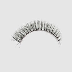 LOVENUE - Curled, silk faux lashes on a transparent band – No 11 NATURAL by Magda Pieczonka