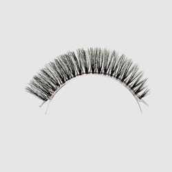 LOVENUE - Curled, silk faux lashes on a transparent band – No 12 Natural 2 by Magda Pieczonka