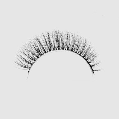 LOVENUE – Curled, silk faux lashes on a band – No 11 Natural