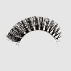 LOVENUE - Curled, silk faux lashes on a transparent band – No 1 VAMP by Magda Pieczonka