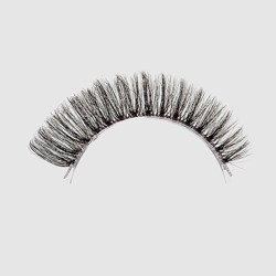 LOVENUE - Curled, silk faux lashes on a transparent band – No 2 MAGIC by Magda Pieczonka