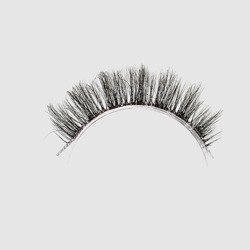 LOVENUE - Curled, silk faux lashes on a transparent band – No 5 Angel by Magda Pieczonka