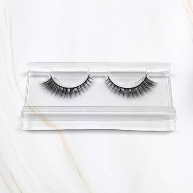 Miss x Magda Pieczonka – silk faux lashes on a band