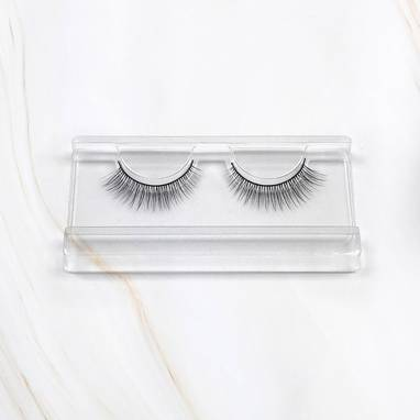My my x Magda Pieczonka – silk faux lashes on a band